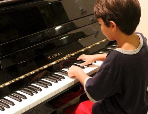 """""""피아노 연습, 언어습득 능력 키운다"""""""